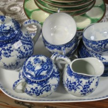 Servie à thé en porcelaine